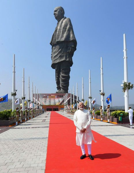 Worlds Largest Statue Of Woman With >> The New World S Tallest Statue Makes Lady Liberty Seem Tiny