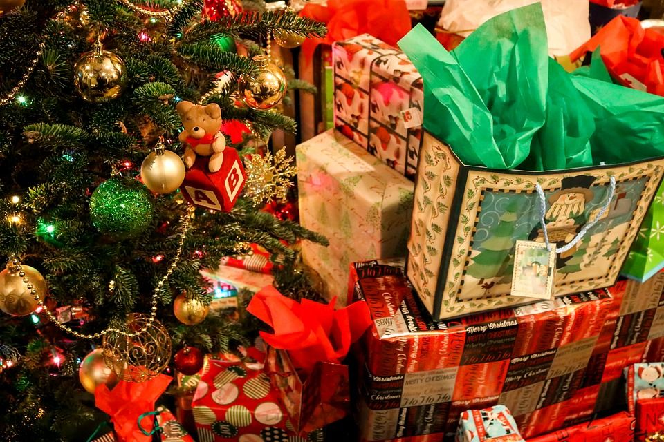 the - When Do You Open Christmas Presents