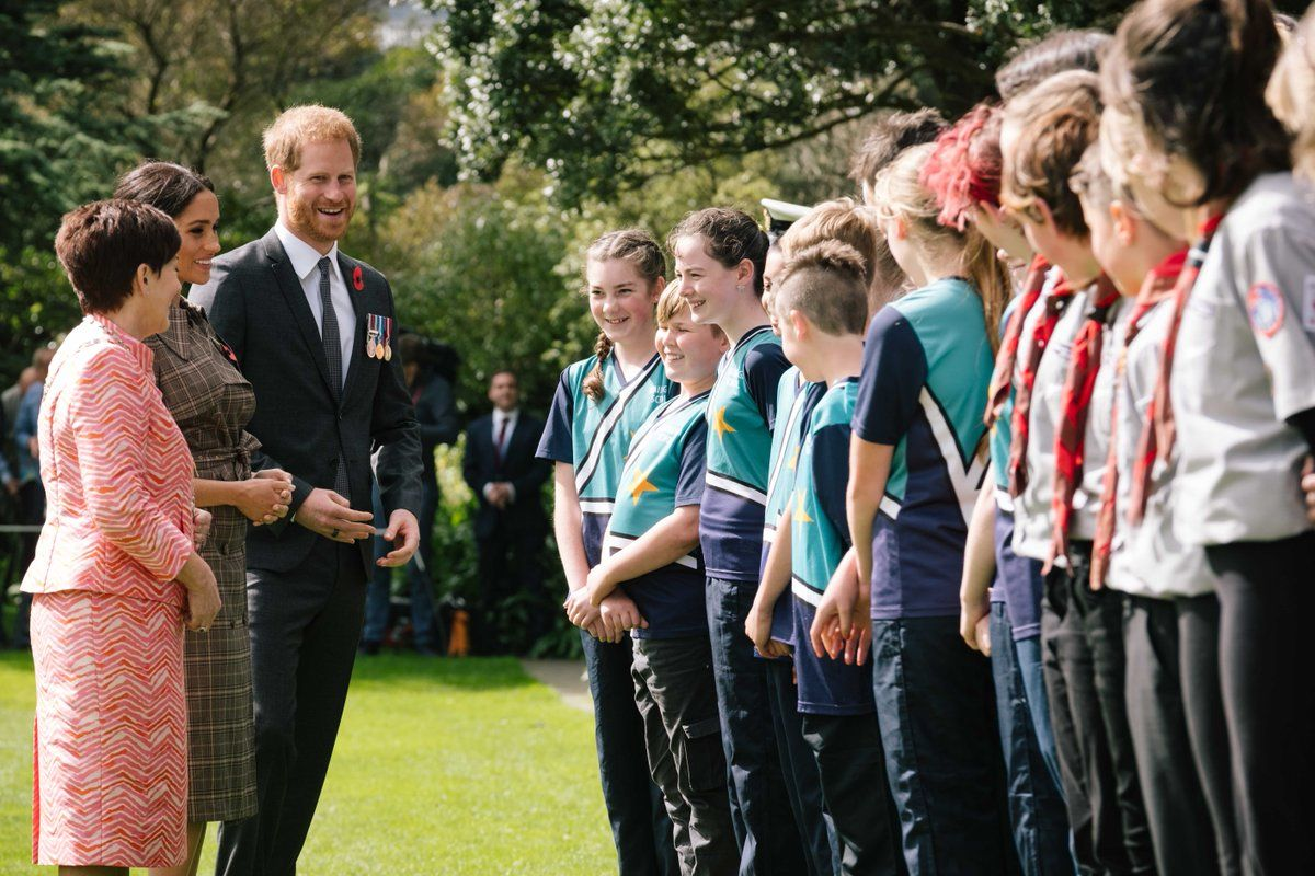 Prince Harry and Meghan Markle are introduced to school children in New Zealand.