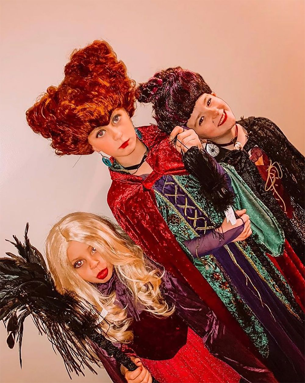 """Leah Messer's kids as the witches from """"Hocus Pocus"""""""