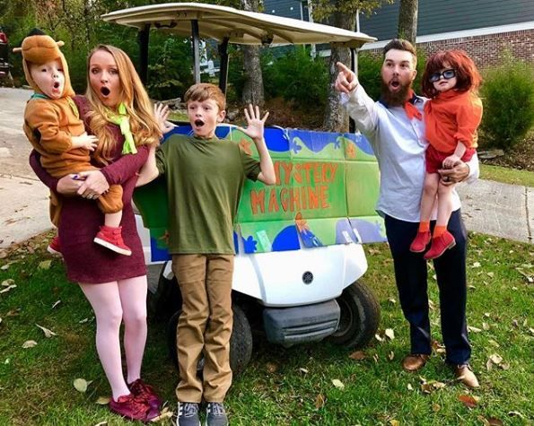 """Maci Bookout and her family dressed as the characters from """"Scooby-Doo"""""""