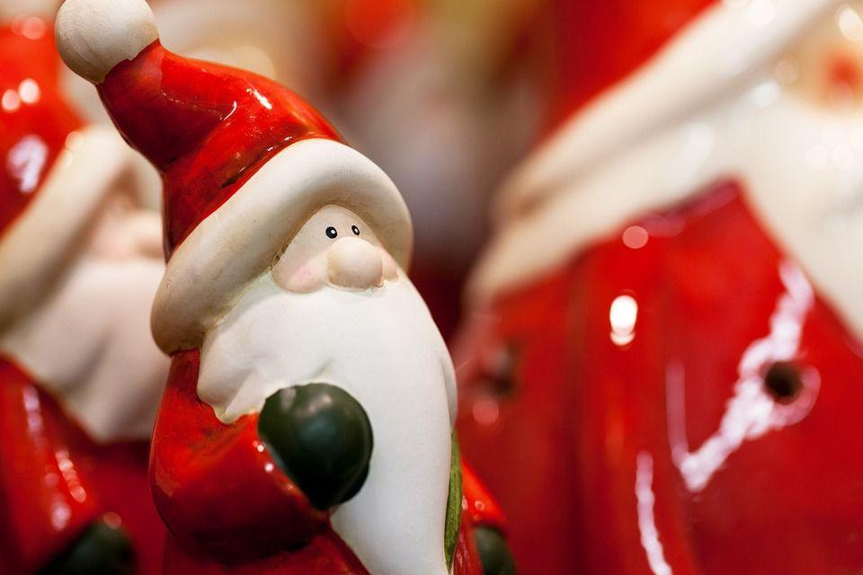 Santa Close figure