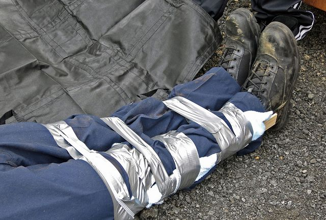 Emergency splint with duct tape