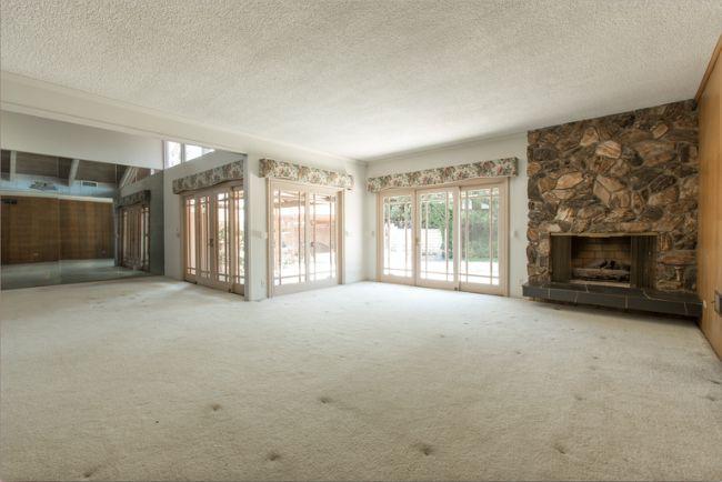 The Brady Bunch living room