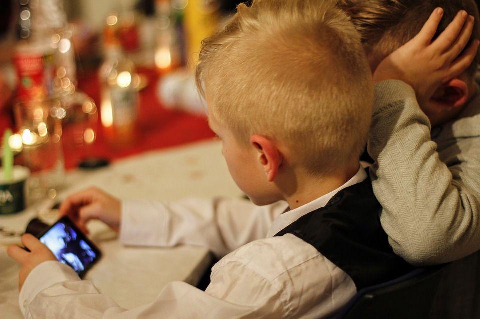 kids on a phone