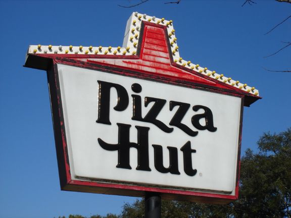 Pizza Hut To Close 500 Dine-In Locations Across The USA